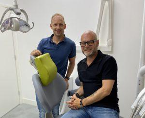 Gründer von Happynecks®: Physiotherapeut Jerry Jansen und der SaaS-Verkaufsleiter Peter van Dijk