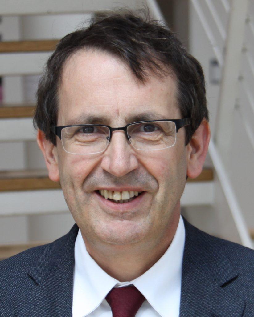 Prof. Dr. Stefan Zimmer, Sprecher der Informationsstelle für Kariesprophylaxe und Präsident der Deutschen Gesellschaft für Präventivzahnmedizin