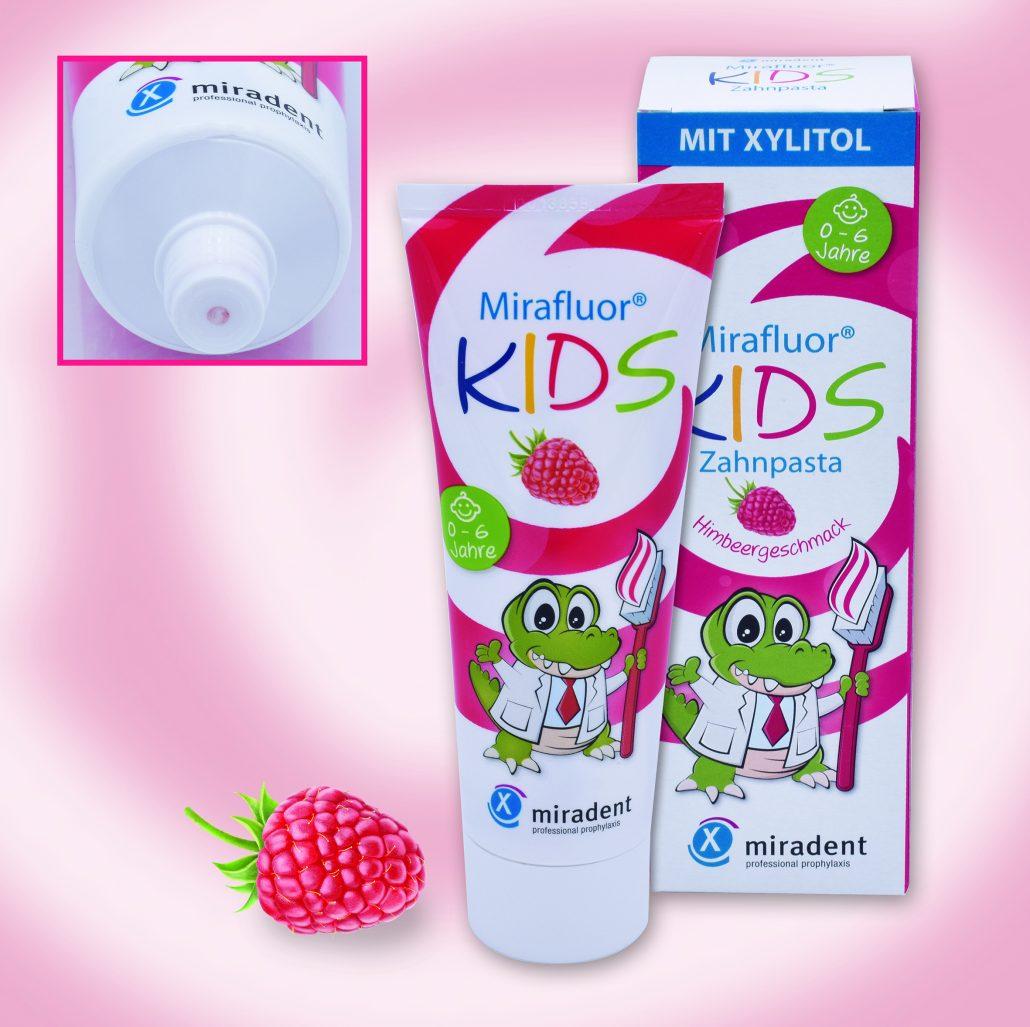 Die neue Mirafluor Kids Zahncreme mit spezieller Tubenöffnung.